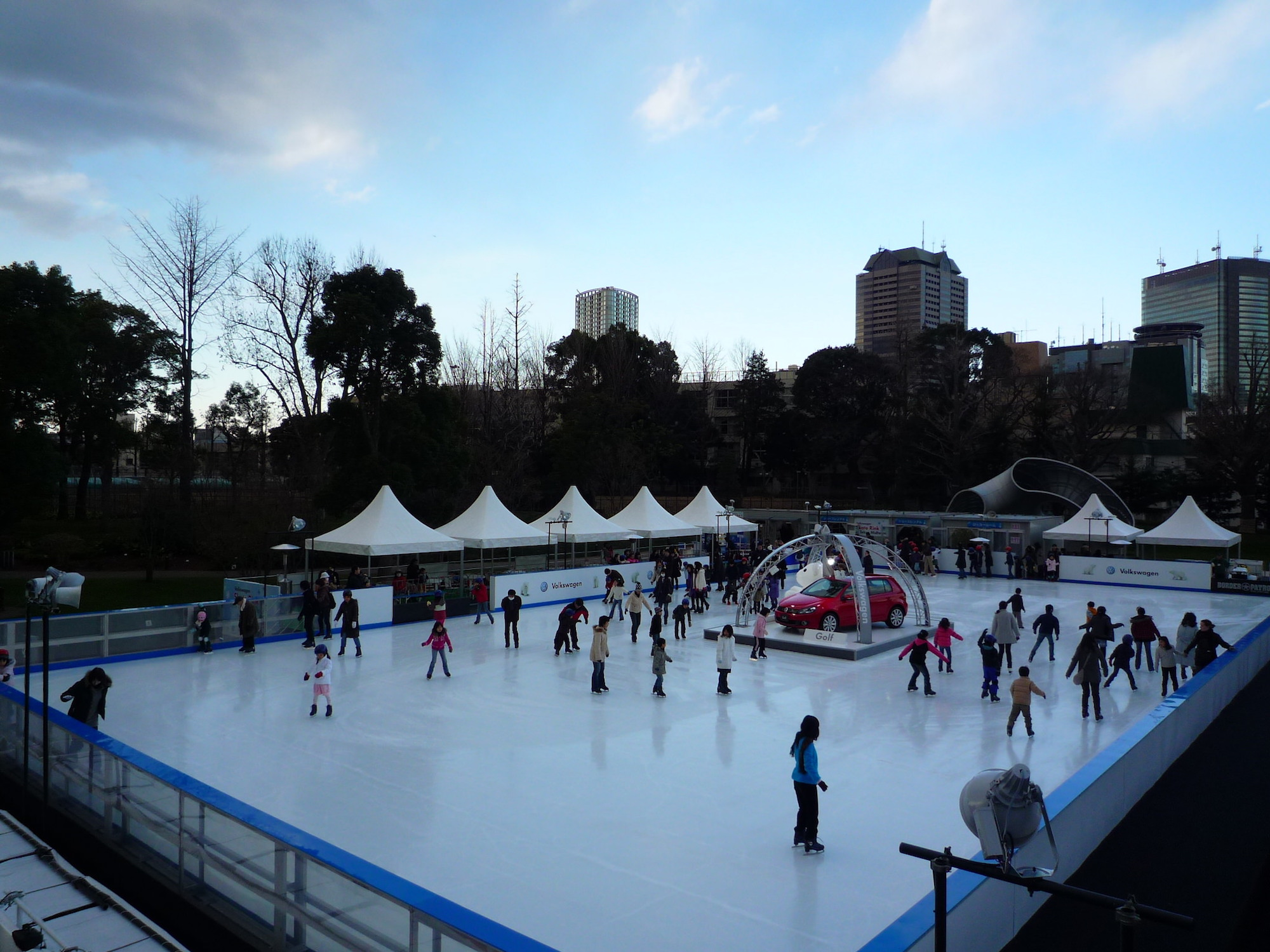 7 best ice skating spots in tokyo to have fun in winter. Black Bedroom Furniture Sets. Home Design Ideas