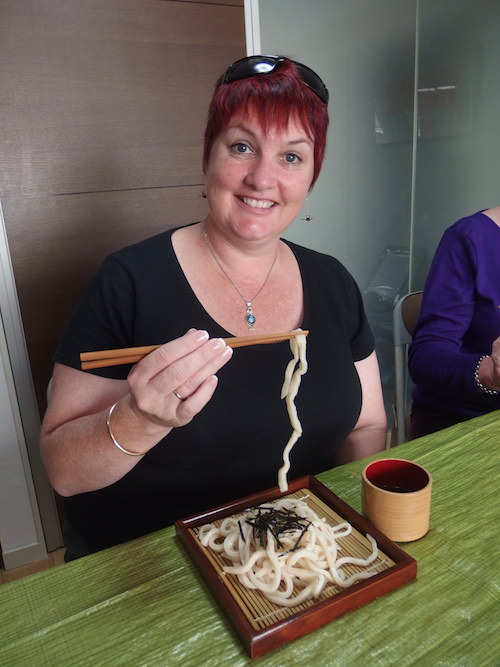 Enjoy udon noodles made by you!