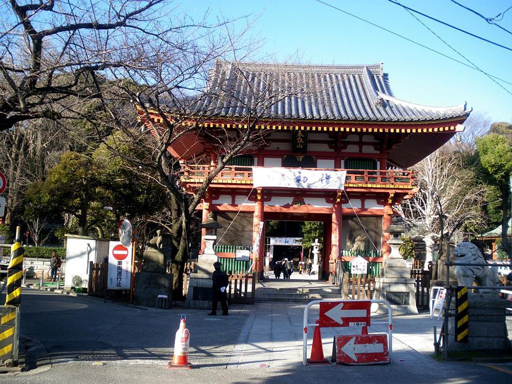 Meguro Fudoson Temple on Hatsumode. From Wikimedia