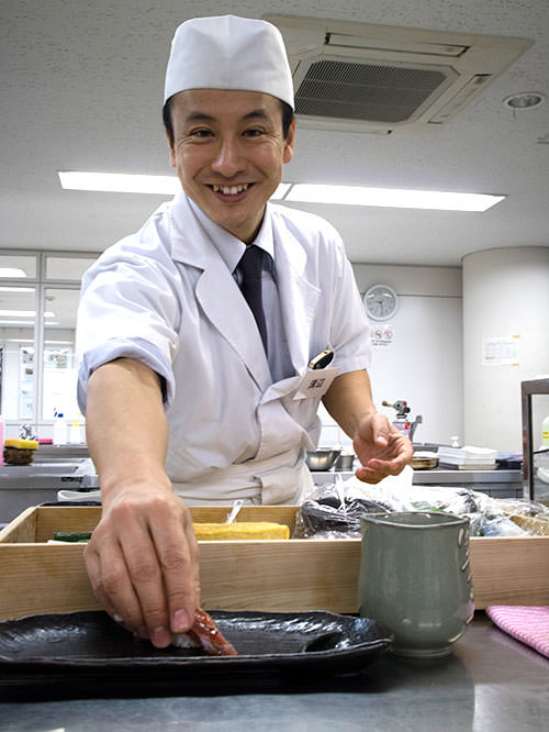 Hide, the host of Sushi Making Experience Japan