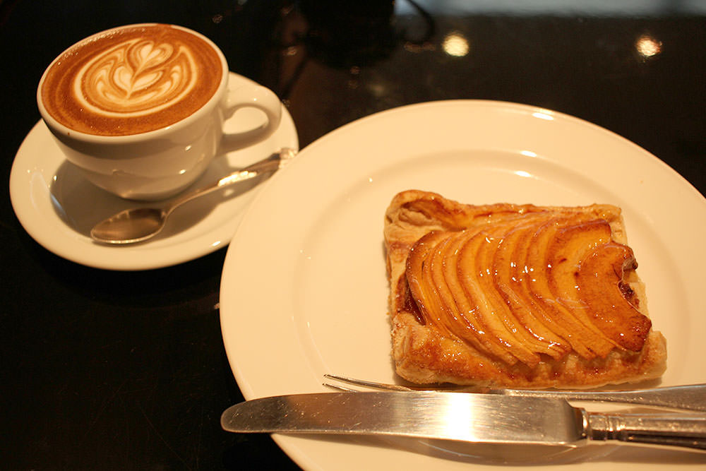 The apple pie and cafe latte from Angelique