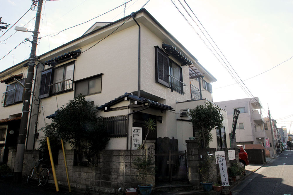 Mr. Ito's soba class is held at his house