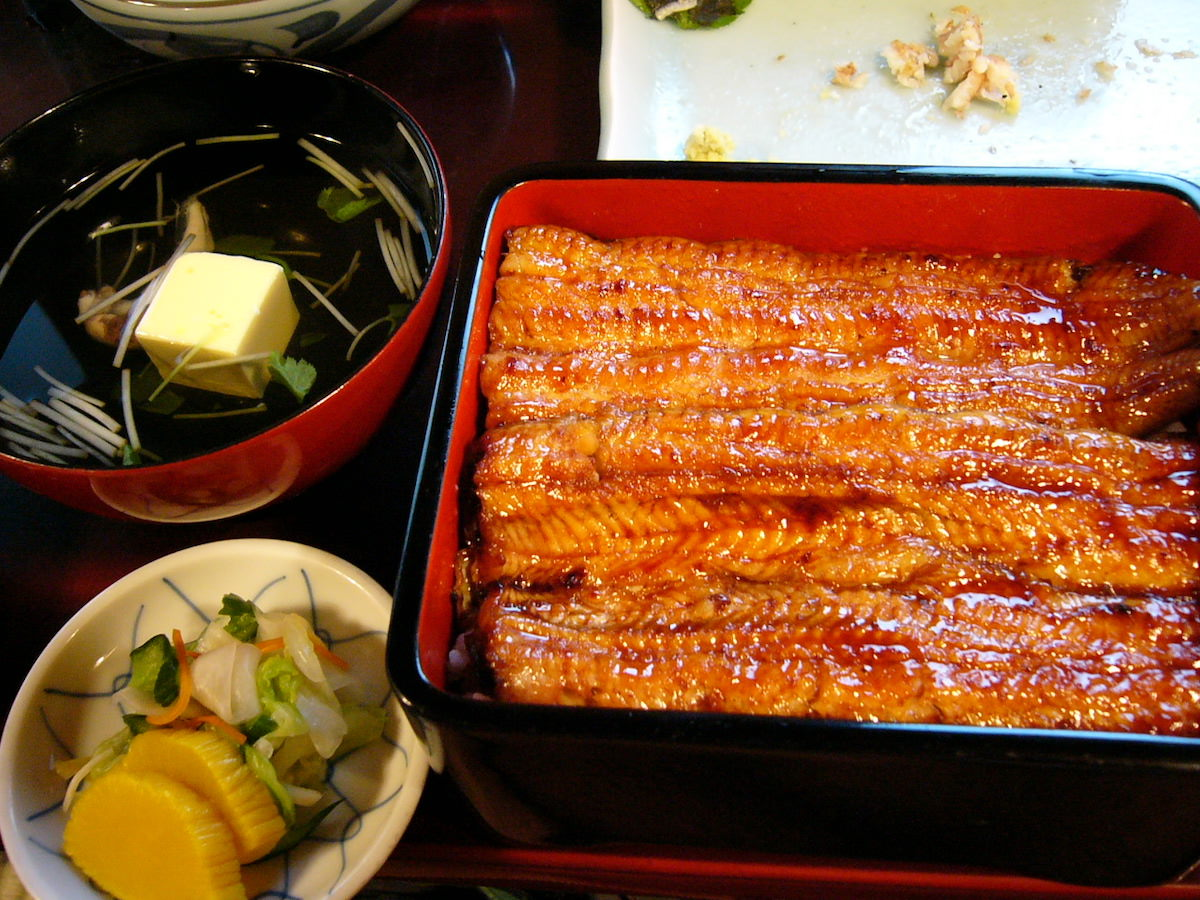 People like to have unagi (eels) in summer